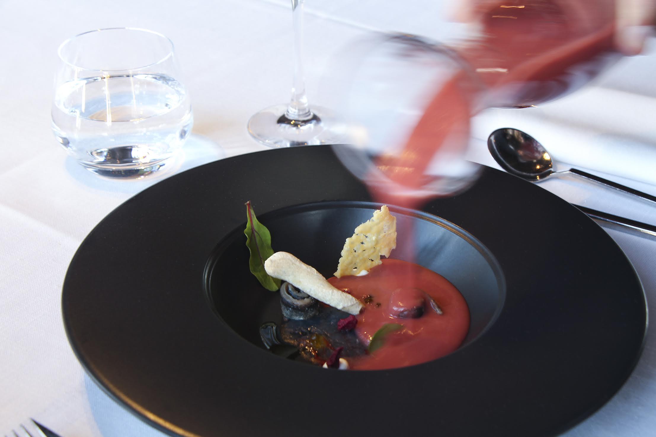 Gazpacho de cereza jarreado